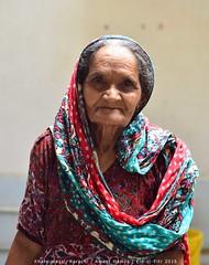 Portrait: Khatu massi, Karachi (Ameer Hamza) Tags: karachi eid eidulfitr eidinpakistan mehndi ami family adhiafamily familyeidpakistan karachiwalla ameerhamzaadhia ameerhamzaphotography