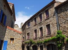 Montpeyroux - Auvergne (Cherryl.B) Tags: village touristique touriste auvergne mdival chteau pierres ruelles pavs pittoresque