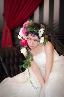 Studio shooting with off camera flash - wedding portrait