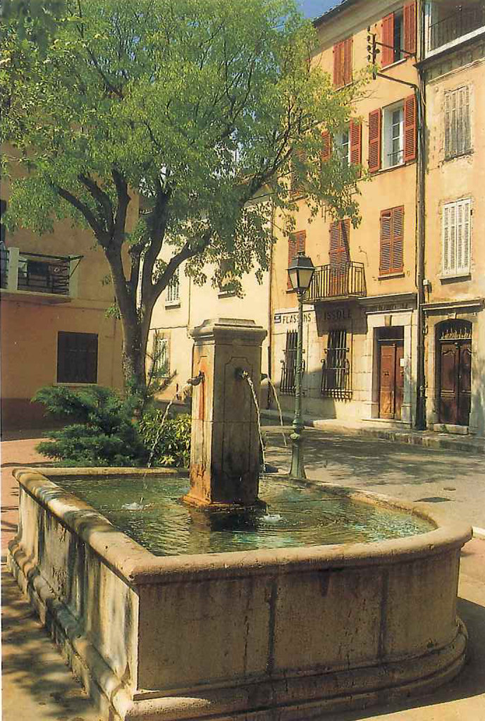 fontaine_place_pasteur