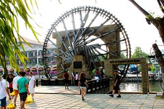 Melaka Malay Sultanate Water Wheel (tiger289 (The d'Arcy dog supporters club)) Tags: park flowers trees plants cats fish cars chicken dogs beer buses animals ferry museum boats singapore dubai village fishermen dragonflies ships bridges churches crab insects georgetown malaysia koi artillery noodles carp penang monuments kampong radar melaka waterwheel mosques forts malacca penanghill wheeloflife canons plaques limos bentong karak johore melakariver goldencarp spicetrade malaccariver floradelamar minesweeping oldgeorgetown fastpatrolboat embrasures muziumsamudera maritimemuseumofmalacca sultanatewaterwheel