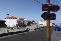 Dorfplatz von Chipude (Alfesto) Tags: wandern spanien lagomera elcercado chipude kanareninsel