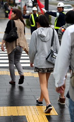 pretty ponytail girl迷彩褲裙女孩III (bwpingu1) Tags: street beauty japan hiroshima bwpingu