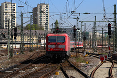 143 924 Stuttgart (Youth With) Tags: train germany db bahn railways trabbi deutsche 143