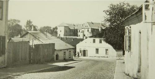 ulica Kąpielowa, z lewej strony widoczny dom z 1781r. (już nieistniejący)