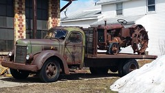 International truck Allis Chalmers tractor (D70) Tags: tractor truck company international harvester ih chalmers ihc allis