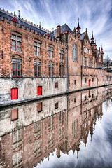 Bruges (Bruno MATHIOT) Tags: water architecture canon french eau europe belgium belgique wide sigma wideangle 1020mm reflets hdr tourisme batiment 10mm photomatix tonemapping 650d ultragrandangle