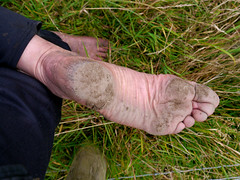 Tough sole (Barefoot Adventurer) Tags: arch earth barefoot barefeet soles footprint barefooted earthing barfuss barefooting barefoothiking strongfeet barefooter baresoles leathersoles toughsoles wrinkledsoles thicksoles earthsoles livingleather naturalsoles ruggedsoles earthstainedsoles