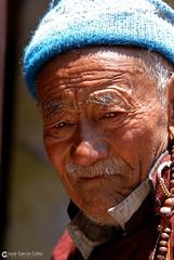 12-06-30 India-Ladakh (273) Hemis R01 (Nikobo3) Tags: travel people india color festival portraits nikon asia ngc social folklore retratos viajes kashmir d200 himalayas gentes jammu culturas hemis twop karakorum wonderfulworld nikond200 omot kachemira ladakd nikon7020028vrii flickrtravelaward festivaldehemis nikobo josgarcacobo