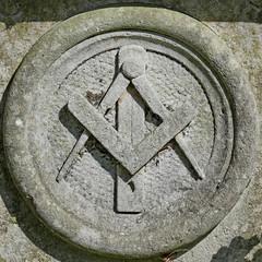 square and compasses (Leo Reynolds) Tags: cemetery square lumix panasonic masonic squaredcircle compasses freemason cemeterysymbol fz1000 xleol30x sqset116