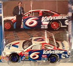 #51-20, Mark Martin, #6, Valvoline, Pictures With Real Hot Wheels Cars & Their Diecast (Picture Proof Autographs) Tags: photograph photographs inperson pictureproof photoproof picture photo proof image images collector collectors collection collections collectible collectibles classic authentic authenticated real genuine diecast auto autos vehicles vehicle model toy toys automobile automobiles autoracing sport sports nascar series winstoncup sprintcup busch nationwide hotwheels fred frederick weichmann