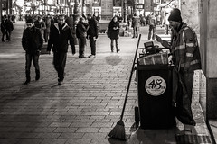 F026-15-0015_KarlGrabherr (karlgrabherr) Tags: vienna wien street city bw white black night nightshot nacht streetphotography olympus stadt sw schwarz omd nachtaufnahme stephansplatz em1 weis innere
