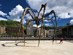 Maman (turgidson) Tags: sculpture 6 museum bronze digital studio frank ed four spider spain europe raw angle steel country north wide wideangle olympus gehry m bilbao louise developer micro pro guggenheim museo marble bourgeois maman northern frankgehry ultra bizkaia basque zuiko euskalherria euskadi louisebourgeois vizcaya bilbo basquecountry stainless omd thirds guggenheimmuseum euskal herria biscay m43 silkypix f456 f4056 em5 museoguggenheim mirrorless microfourthirds 918mm olympusmzuikodigitaled918mmf4056 olympusem5 olympusomdem5 silkypixdeveloperstudiopro6 p5091492