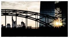 sunset and skyline (08dreizehn) Tags: city bridge sunset sun skyline germany deutschland soleil europa europe sonnenuntergang hessen frankfurt stadt pont brcke sonne allemagne ville frankfurtammain coucherdusoleil ezb europeancentralbank europischezentralbank frankfurtm hafenpark olympusm45mmf18 olympuspenepl7 08dreizehn nullachtdreizehn thomashassel