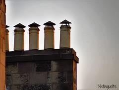 Catching a last ray of sun (mistinguette.mistinguette) Tags: urban sun ray pattern chemineys
