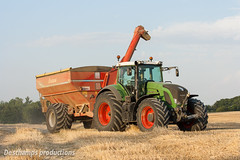 16072015-IMG_7604 (Deschamps productions) Tags: tractor wheat harvest combine harvester tracteur moisson bl fendt claas lexion cestari transbordeur moissonneuse