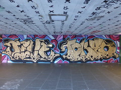 Southbank graffiti (duncan) Tags: graffiti southbank