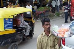 IndiaSouth_2013-11-26_10.37.18 (Gejepewe) Tags: karnataka streetvendor southindia ramanagaram