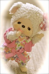 Sonne (Lenekie) Tags: vintage toy sheep lamb monchichi monchhichi sekiguchi kathinka