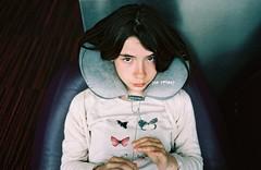 Attendre à l'aéroport - Waiting in an airport (Max Sat) Tags: 135 analog film fuji fujiklasses klasse klasses maxsat maxwellsaturnin portra portra160 unexplored kodak