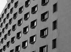 La misura del mondo (lory6093) Tags: milano poesia palazzo bianconero citt finestre portagaribaldi