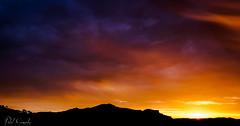 Amanecer sobre la Sierra de las Aguilas (Raul GR.) Tags: espaa contraluz paisaje amanecer montaa esp monfortedelcid