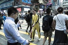 Enter the Dragon (Jon Robiso) Tags: street hongkong pentax pedestrian kowloon brucelee killbill jumpsuit pentaxkx yellowjumpsuit tamron1750 pinoypentaxian jonrobiso
