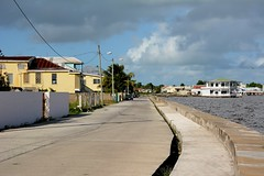 Belize City: Southern Foreshore (zug55) Tags: ocean belize caribbean belizecity centralamerica caribbeansea belice americacentral britishhonduras southernforeshore