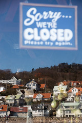 Sorry we're closed... (Stig Nygaard) Tags: reflection window sign skne closed sweden creativecommons 7d photowalk sverige scania outofseason kullen 2015 swe closedsign mlle hgans sorrywereclosed 7d2 photobystignygaard canonefs1585mmf3556isusm 7dii canoneos7dmarkii 7dmarkii photocphmeetup