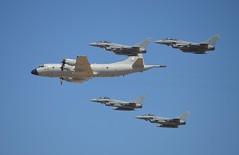 C-16_ALA-11 y P-3 Orión Grupo-22 (DAGM4) Tags: españa sevilla spain c16 p3orion ejércitodelaire eurofightertyphoon spanishairforce ala11 grupo22 moronairbase baseaéreademorón