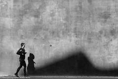 KEEP ON RUNNING II (rolleckphotographie) Tags: shadow people urban architecture facade blackwhite sony minimal menschen architektur minimalism schwarzweiss dsseldorf schatten fassade slta65v rolleckphotographie stefanrollar