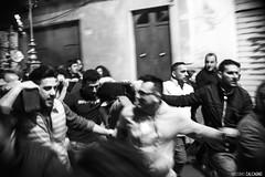 La festa di San Cono (Massilo) Tags: blackandwhite monocromo e sicily bianco nero sicilia maggio feste folla religiose sancono