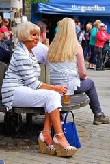 Les hommes prfrent les blondes! (dominiquita52) Tags: women shoes blondes streetphotography heels guardian femmes