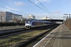 SLT 2612 ([Publicer Transport] Ricardo Diepgrond) Tags: light train ns den haag slt trein centraal schiedam roosendaal sprinter 2612