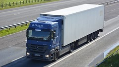 WMA 25842 (panmanstan) Tags: truck wagon mercedes motorway yorkshire transport lorry commercial vehicle freight m62 haulage whitley actros