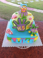 hi 5 cake (Divine Cakes Iloilo) Tags: birthday cakes cake dc chats cafe divine iloilo roxas fondant hi5 jup bakeshop chatterbox jupjup