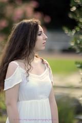 DSC_1366+ (SuzuKaze-photographie) Tags: portrait woman lyon bokeh femme parc swirly helios442 suzukazephotographie