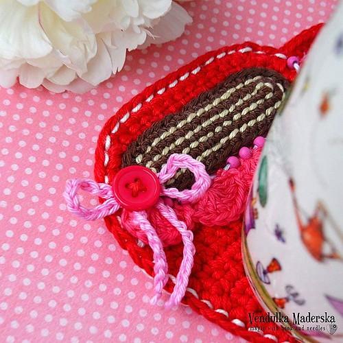 The day is a little bit better with cup of coffee ☕💖 #coffeecoaster #crochetcoaster #newproject #crochetingmakesmehappy #crocheting #coffeemug #newpatternsoon #vendulkam #magicwithhookandneedles #vendulkampattern #mugcoaster