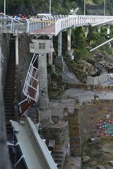 DESABAMENTO DE CICLOVIA RECM-INAUGURADA EM SO CONRADO DEIXA MORTOS E FERIDOS (brasilemfolhas) Tags: braslia brasil riodejaneiro mar df bra desastre ciclovia ressaca timmaia desabamento
