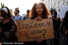 Hunderte bei Black lives matter Demonstration in Berlin (tsreportage) Tags: berlin blacklivesmatter demonstration kolonialismus kreuzberg kundgebung mstrasse mitte mohrenstrasse neukoelln rassismus saytheirnames usa blackcommunity colonialism demo march policebrutality racism rally germany de