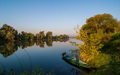 river Kupa (01) - morning (Vlado Fereni) Tags: boat croatia rivers tokina12244 riverkupa nikond90 conceledgroup