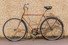 Old bike (kaifr) Tags: old brown bike bicycle se sweden gothenburg rusted flattyre vstragtalandsln
