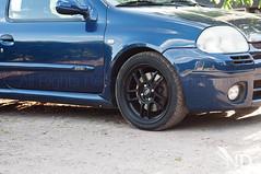 Renault Clio RS 12-05-2015 (ND-Photo.nl) Tags: renault clio rs rota subzero sub zero wheels velgen rims dubs dubz tuning zwart black pirelli nero dark blue donkerblauw blauw phase1 phase clioii nikkor nikon d300 50mm prime rotasubzero velg wheel