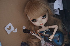 Let your hair down -Charlie- (glousie) Tags: by doll full charlie l pullip custo guitare poupe obitsu acryliques azazelle mathilde19 glousie