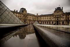 Louvre Paris (filipe_ana.gomes) Tags: paris france reflection water museum frankreich wasser day louvre rainy raining