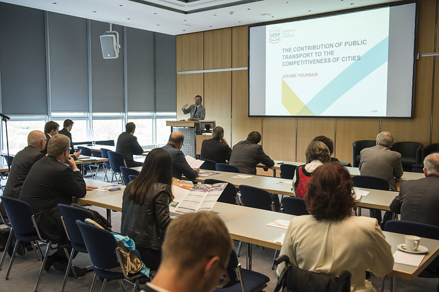 Alain Flausch presenting
