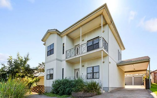 312 Northcliffe Dr, Lake Heights NSW 2502