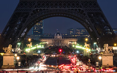 Pont d'Ina at Twilight (josefrancisco.salgado) Tags: longexposure bridge paris france night puente nikon europa europe ledefrance nikkor trocadero fr colemilitaire lighttrail trocadro exposicinlarga pontdina 2470mmf28g d810a