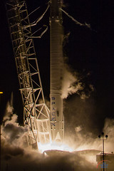 SpaceX CRS9 Falcon9 rocket (Michael Seeley) Tags: ccafs crs9 dragon elon elonmusk falcon9 iss isscargo internationalspacestation michaelseeley mikeseeley nasa rocket rocketlanding rocketlaunch slc40 spacex spacex9 wereportspace
