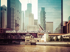 Mike Maney_Chicago Finale-198.jpg (Maney|Digital) Tags: architecture chicago city friends skyline streetphotography